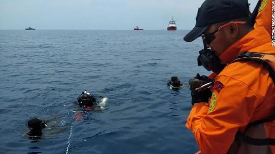 Vụ rơi máy bay tại Indonesia: Phát hiện sự cố chỉ 2 phút sau khi cất cánh  ảnh 2