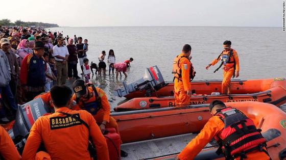 Vụ rơi máy bay tại Indonesia: Phát hiện sự cố chỉ 2 phút sau khi cất cánh  ảnh 6