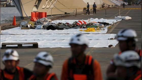 Vụ rơi máy bay tại Indonesia: Phát hiện sự cố chỉ 2 phút sau khi cất cánh ảnh 13