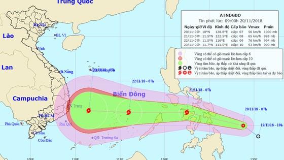 Áp thấp nhiệt đới gần Biển Đông khả năng mạnh lên thành bão ảnh 1