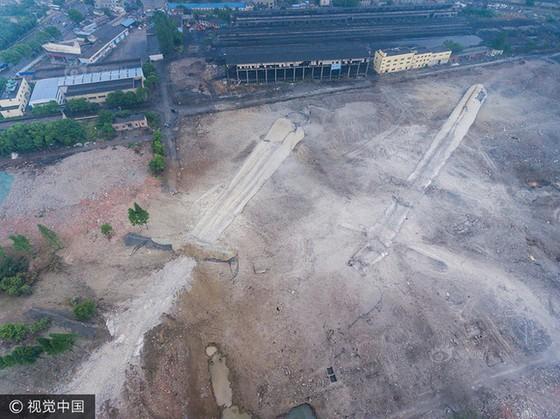 Trung Quốc phá dỡ nhà máy nhiệt điện ảnh 11