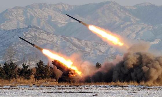 Hàn, Nhật đồng loạt lên tiếng tên lửa Triều Tiên vừa bắn - ảnh 1