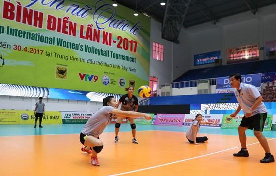 Đội chủ giải VTV Bình Điền Long An tích cực tập luyện trước trận ra quân.