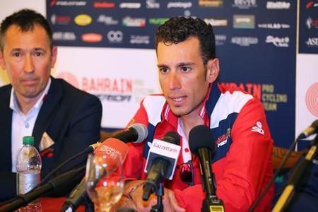Vincenzo Nibali trong buổi họp báo mới nhất.