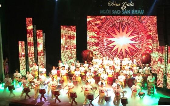 Gala Ngôi sao Việt - Đêm hội tụ anh tài của sân khấu  ảnh 1