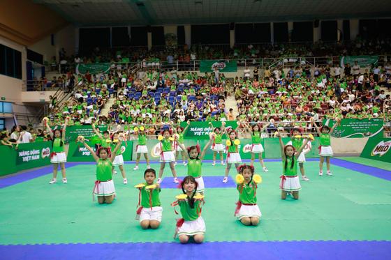 Hội thi Thể dục đồng diễn học sinh tiểu học TPHCM lần thứ 1: 130 đội tranh tài