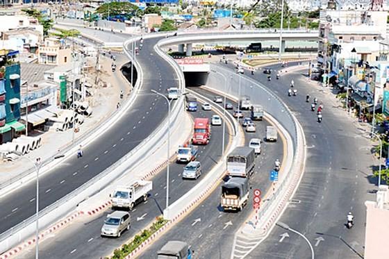 Tập trung tìm nguồn vốn phát triển hạ tầng giao thông ảnh 1