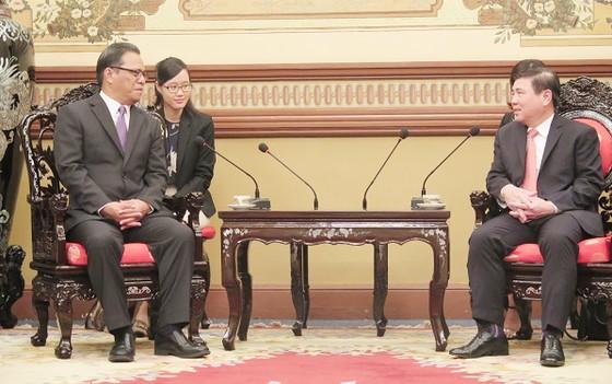 Chủ tịch UBND TPHCM Nguyễn Thành Phong tiếp Chủ tịch Quốc hội Liên bang Micronesia  ảnh 1