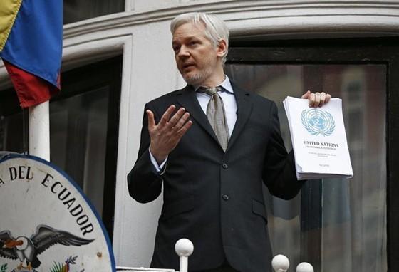 Ecuador muốn nhà sáng lập WikiLeaks rời đi ảnh 1