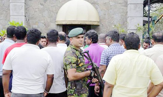 Sri Lanka trên bờ vực của bạo loạn ảnh 1