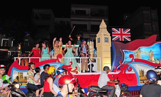 Lộng lẫy và sôi động Lễ hội đường phố Đà Nẵng ảnh 1