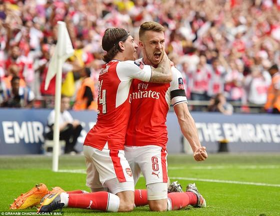Arsenal đăng quang ngôi vô địch FA Cúp 2017 ảnh 5
