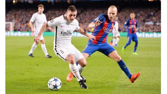 Kế hoạch mua Verratti (trái) của Barca rất khó khăn vì vấn đề tài chính.