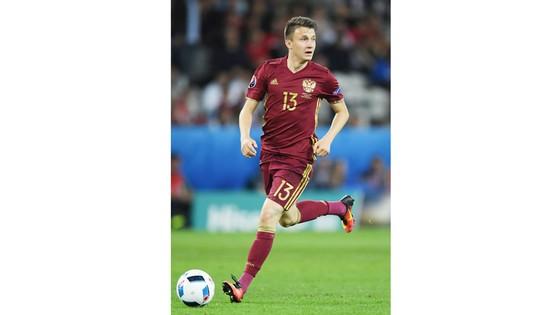 Aleksandr Golovin - ngôi sao hứa hẹn sẽ tỏa sáng trong màu áo tuyển Nga.