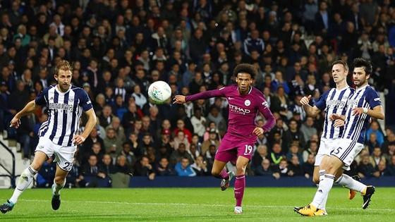 Vòng 3 - Cúp Liên đoàn Anh: Đại gia toàn thắng ảnh 2