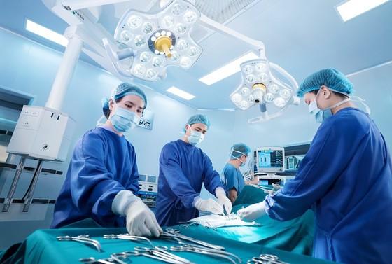 Bệnh viện Đại học Y dược TPHCM ký kết hợp tác với Bệnh viện Vinmec Nha Trang ảnh 1