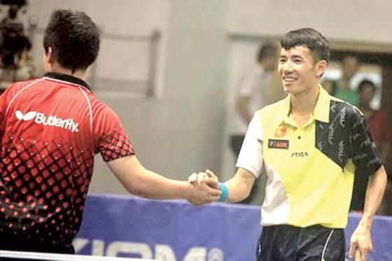 Mọi người đang trông chờ thêm nhiều nhân tố mới kế thừa Đinh Quang Linh (phải). Ảnh: HÀ HƯNG