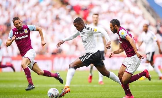 Đánh bại Aston Villa 1 - 0, Fulham trở lại Ngoại hạng Anh 2018-2019 ảnh 1
