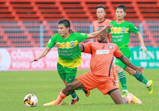 BXH vòng 10-Nuti Cafe V.League 2018: Bình Dương tạm chiếm ngôi nhì của Quảng Ninh ảnh 1