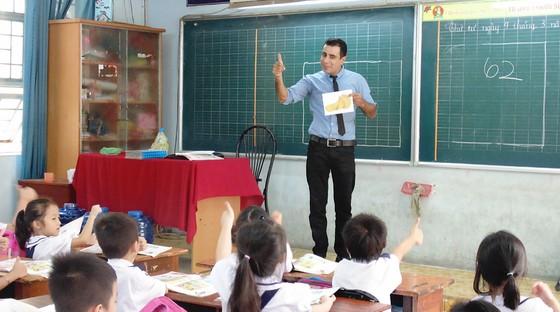 Bất cập trong học và thi môn Tiếng Anh ở trường phổ thông ảnh 1