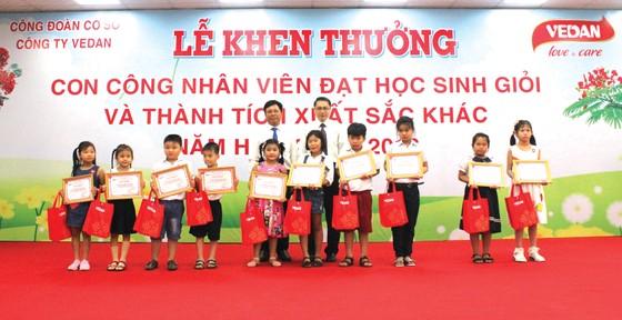 Vedan Việt Nam khen thưởng 690 con em CB-CNV đạt thành tích học tập giỏi, xuất sắc năm 2018 ảnh 4