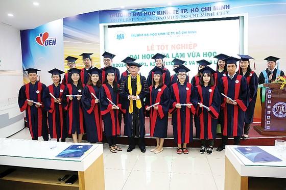 Rộng mở tương lai với đại học vừa làm vừa học tại Trường Đại học Kinh tế TP Hồ Chí Minh ảnh 2