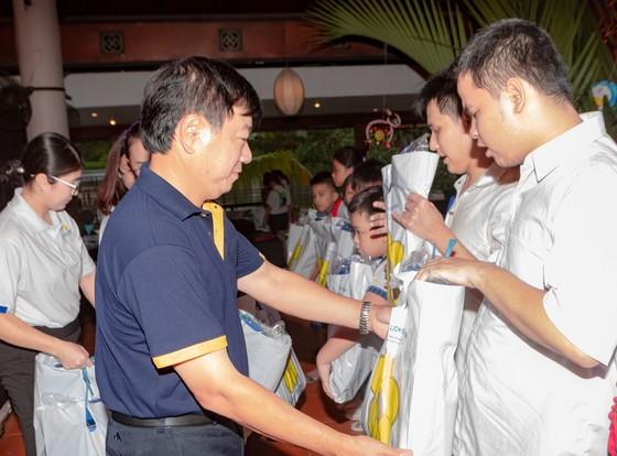 Saigontourist tổ chức ngày hội trung thu năm 2018 ảnh 1