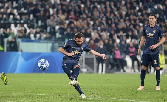 Man.United ngược dòng ngoạn mục đánh bại Juventus ảnh 1