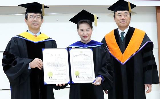 Chủ tịch Quốc hội Nguyễn Thị Kim Ngân thăm Hàn Quốc: Đưa mối quan hệ song phương lên tầm cao mới ảnh 1