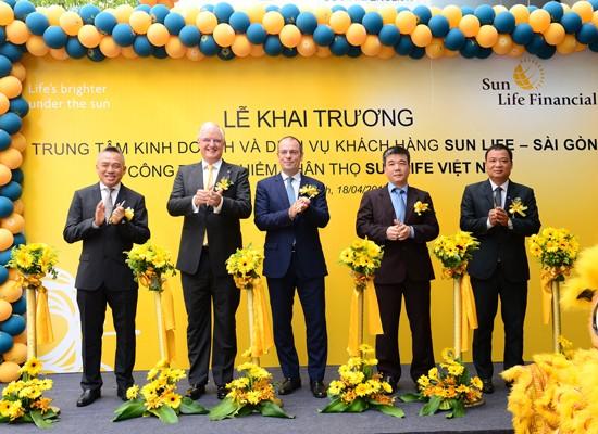 Trung tâm Kinh doanh và Dịch vụ khách hàng Sun Life-Sài Gòn khai trương