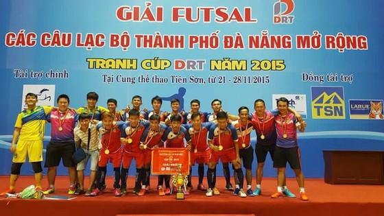 Bầu Điền của 868 Cà Mau FC cũng đã từng đầu tư vào làm futsal chuyên nghiệp và cũng gặt hái được nhưng thành quả đáng kể.