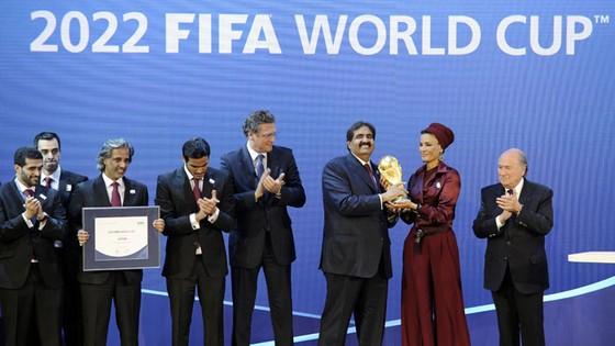 FIFA có thể sẽ xem xét lại quyền đăng cai của Qatar