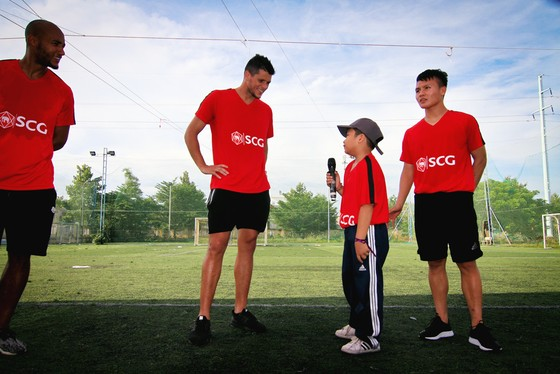 Truyền cảm hứng bóng đá đến giới trẻ Việt Nam ảnh 3