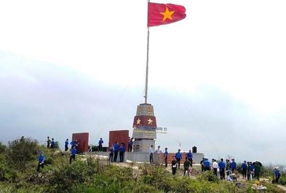 Khánh thành cột cờ Tổ quốc trên đảo Hòn La(Quảng Bình) ảnh 1