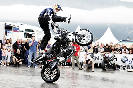 """Thỏa đam mê cùng """"BMW Motorrad Day 2018""""  ảnh 1"""