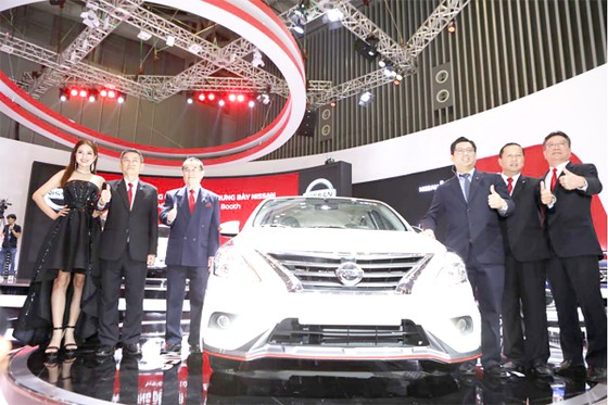 Triển lãm ô tô Việt Nam 2018: Nissan cam kết với thị trường Việt Nam bằng bộ sản phẩm mới đầy ấn tượng ảnh 1