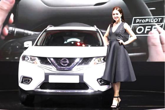 Triển lãm ô tô Việt Nam 2018: Nissan cam kết với thị trường Việt Nam bằng bộ sản phẩm mới đầy ấn tượng ảnh 2
