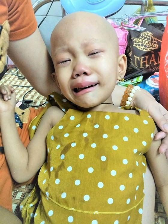 Bé 4 tuổi bệnh nặng không tiền cứu chữa  ảnh 1