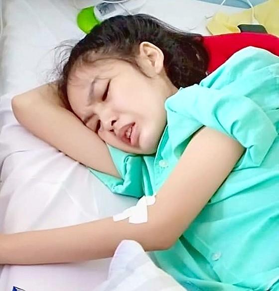 Cô gái nghèo mang nỗi đau ung thư  ảnh 1