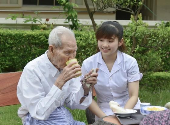 Dịch vụ chăm sóc người cao tuổi ở Việt Nam: Cung chưa đáp ứng cầu ảnh 1
