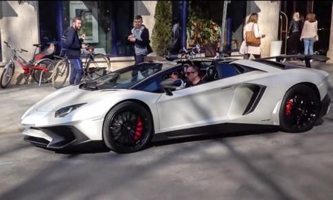 Sao bóng đá Franck Ribery lái Lamborghini Aventador SV Roadster dạo phố - ảnh 1