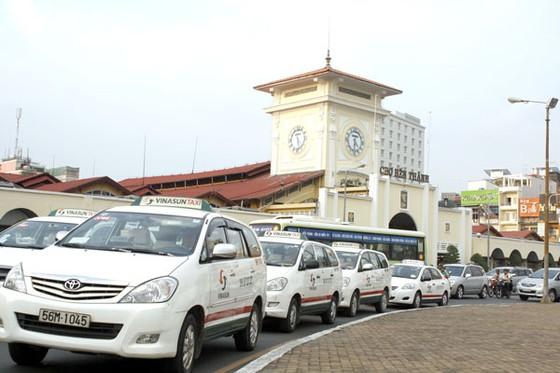 Cân nhắc hạn chế cấp phép taxi ảnh 1