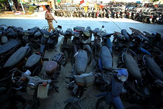 [ẢNH] Ngỡ ngàng một vạn xe máy không ai nhận ở TP.HCM chờ bán sắt vụn - ảnh 7