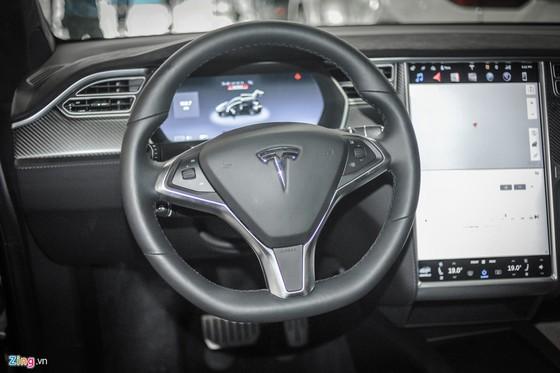 'Sieu SUV dien' Tesla Model X dau tien lan banh tai Ha Noi hinh anh 3