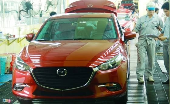 Cac dong xe an khach Kia, Mazda lap rap the nao o Viet Nam? hinh anh 11