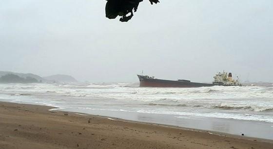 Chìm tàu chở than 4.700 tấn, 13 thuyền viên mất tích