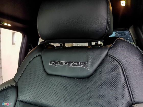 Hai xe ban tai tien ty Ford F-150 Raptor tai Sai Gon hinh anh 10