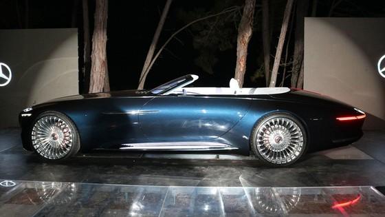 Chiêm ngưỡng vẻ đẹp xuất sắc của Vision Mercedes-Maybach 6 Cabriolet ngoài đời thực - Ảnh 2.