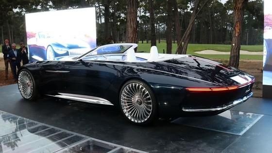 Chiêm ngưỡng vẻ đẹp xuất sắc của Vision Mercedes-Maybach 6 Cabriolet ngoài đời thực - Ảnh 3.