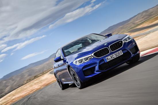 BMW trình làng sedan hiệu suất cao M5 2018 ảnh 21